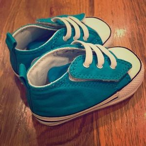 Converse baby shoes!